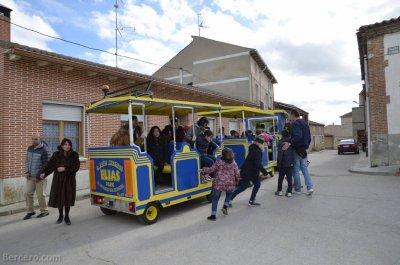 FIESTAS DE BERCERO.-Tren y parque infantil.